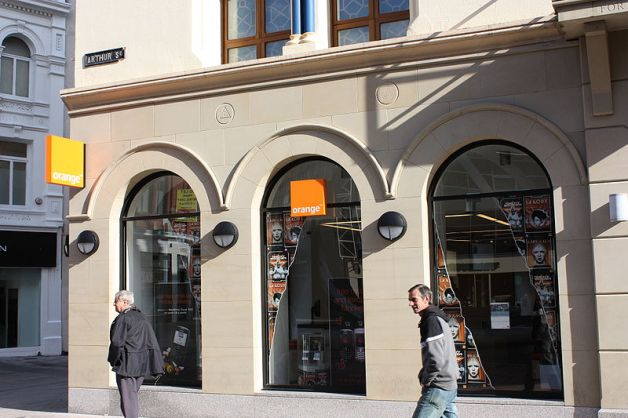 An Orange shop, though not the one in question here (Image by Aldfern)